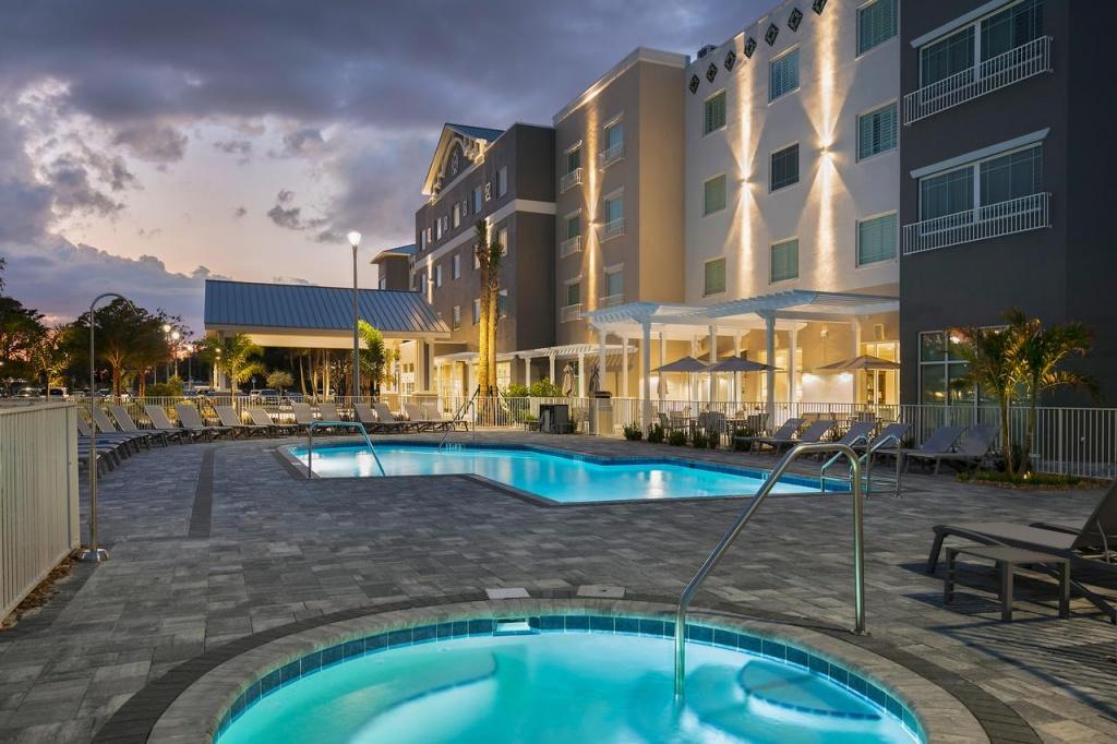 Carlisle Inn Sarasota, Fl - Booking - Map Of Hotels In Sarasota Florida