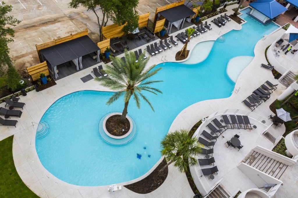 Cool Hotel Pools In Houston | Resorts & Hotels In Houston - Map Of Hotels In Houston Texas