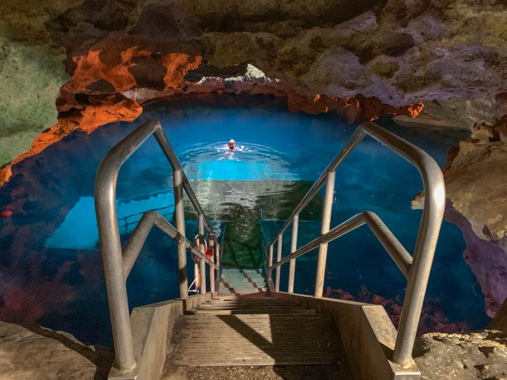 Devil's Den Florida Freshwater Cavern Dive - First Church Of The - Devil's Den Florida Map