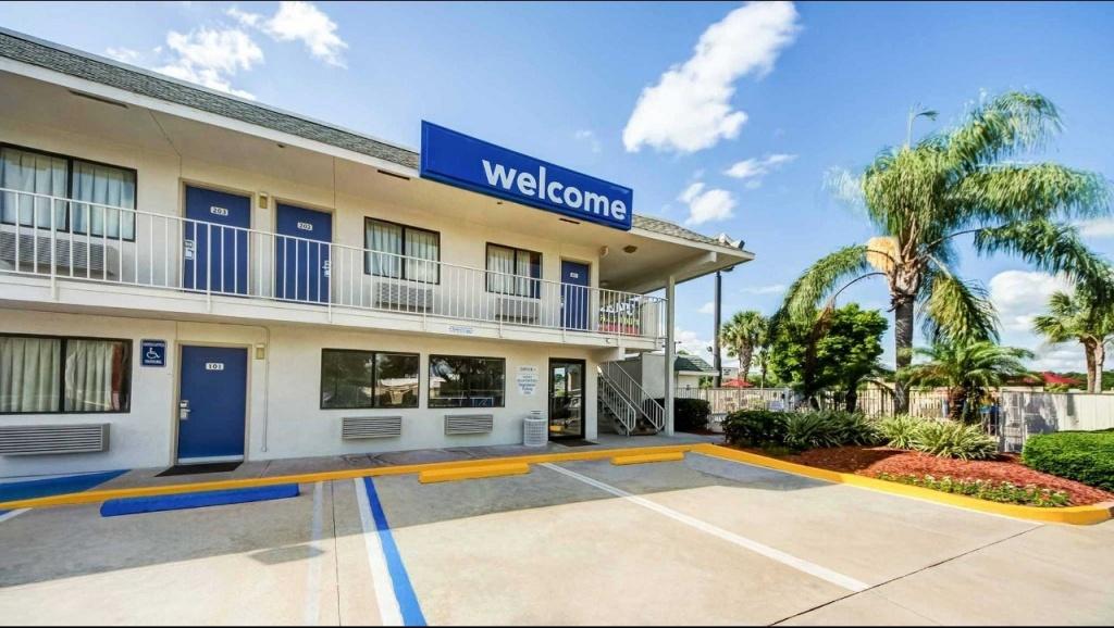 Motel 6 Lakeland Hotel In Lakeland Fl ($47+) | Motel6 - Motel 6 Florida Map