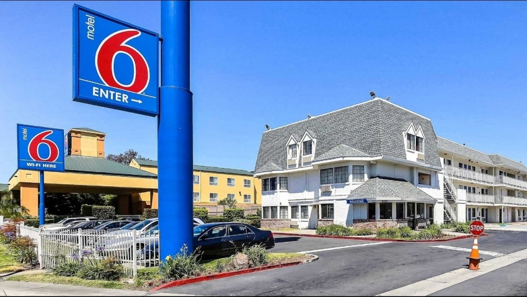 Motel 6 Oakland Airport Hotel In Oakland Ca ($89+) | Motel6 - Motel 6 California Map