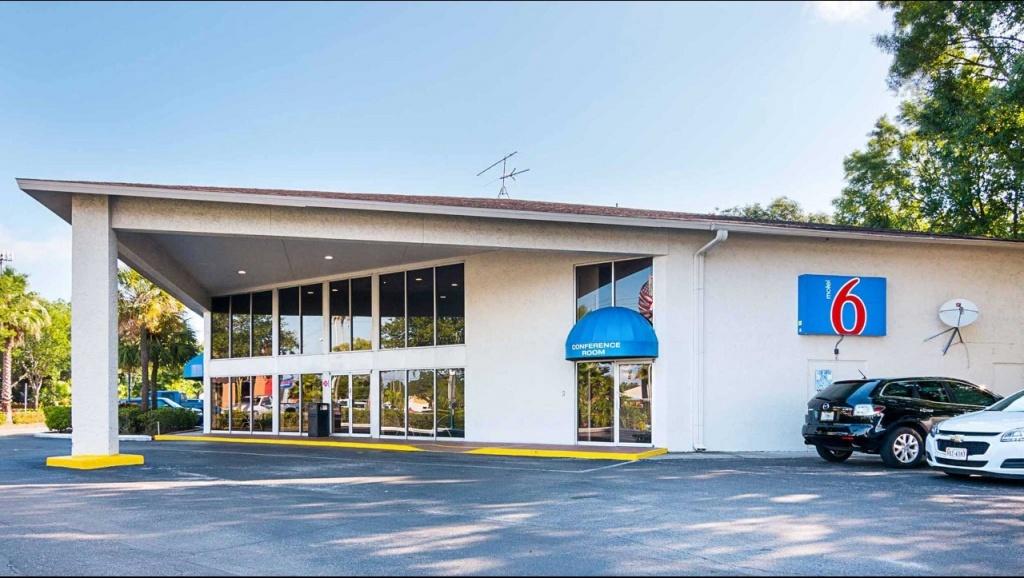 Motel 6 Tampa - Fairgrounds Hotel In Tampa Fl ($59+) | Motel6 - Motel 6 Florida Map